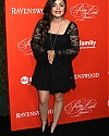 -pretty-little-liars-premiere-in-hollywood_12204045_p2.jpg