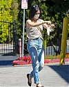 lucy_hale_france004~201.jpg