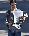 lucy_hale_france004~330.jpg